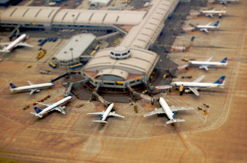 mini airport miniature tilt Shift Photography
