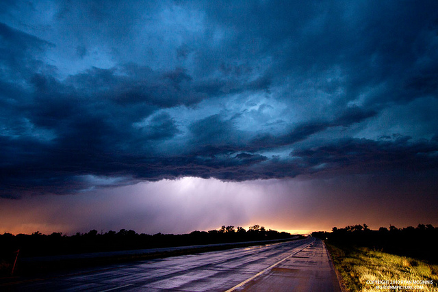 A thunderstorm over Kansas at night - Nightscape photography